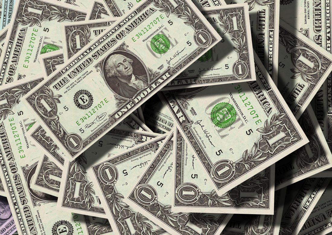 bills-cash-collection-47344